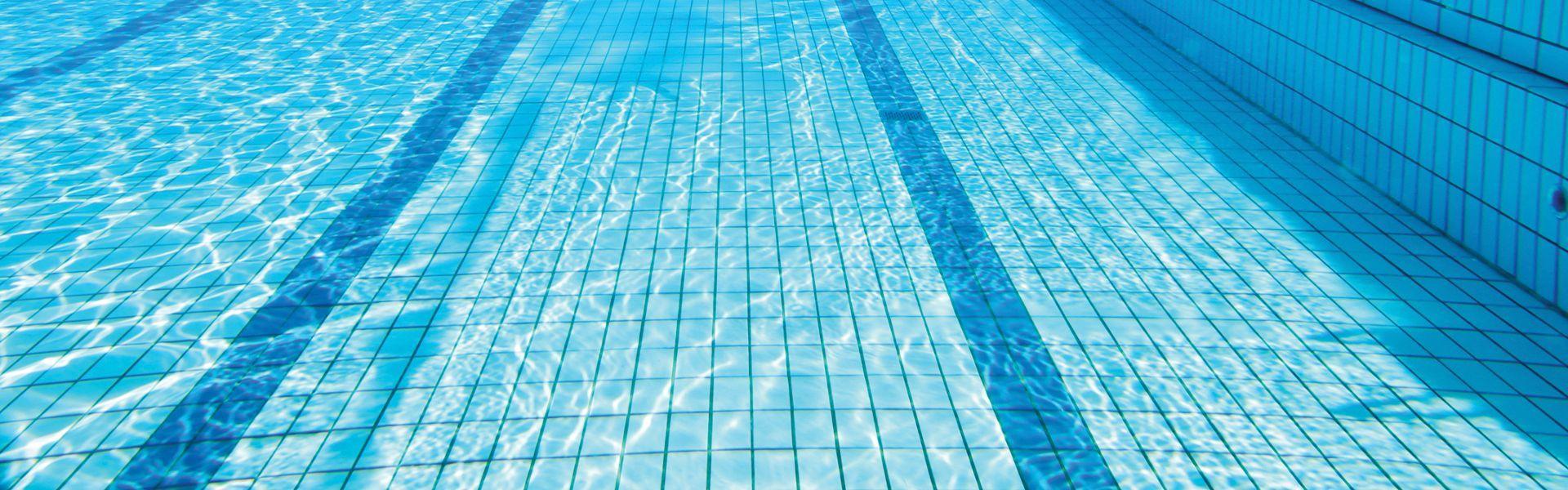 Detecci n de fugas en piscinas rey tuberias desatoros en malaga desde 80 - Deteccion de fugas de agua en piscinas ...